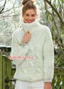Уютный белый свитер с объемными косами. Спицы