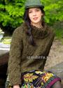 Оливковый свитер с узорами из кос и широким воротником. Спицы