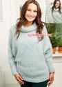 Мохеровый бледно-голубой свитер. Спицы