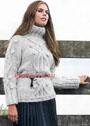 Теплый светло-серый свитер с рельефным узором. Спицы