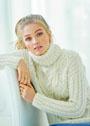Мягкий белый свитер с арановыми узорами. Спицы