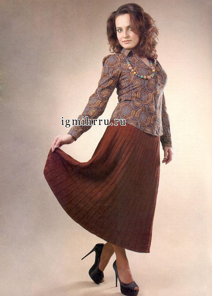Коричневая шерстяная юбка-миди, связанная единым полотном. Спицы