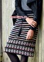 Шерстяная юбка с орнаментальными полосками и жаккардовым бордюром. Спицы